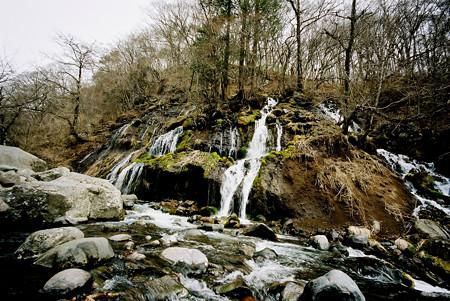 30吐竜の滝全景_M6