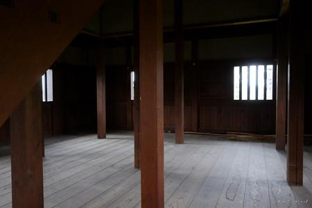 逆井城_08二階櫓-の中_一階部分-2184