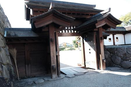 09松代城_高麗門-2377