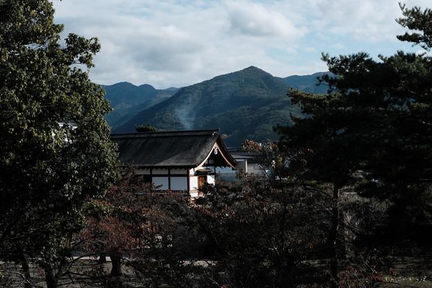 松代城_太鼓門と山々-0664