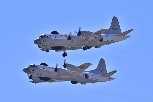 飛び方の違う2機のUP-3D・・