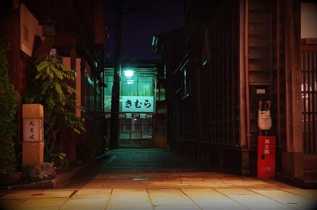路地裏への入口・・ひがし茶屋街 20140919