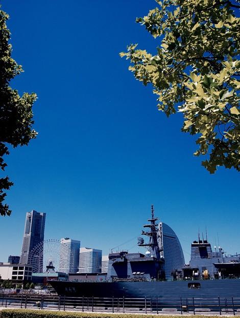 写真: 綺麗な青空。。横浜開港祭を盛り上げ日。。5月30日