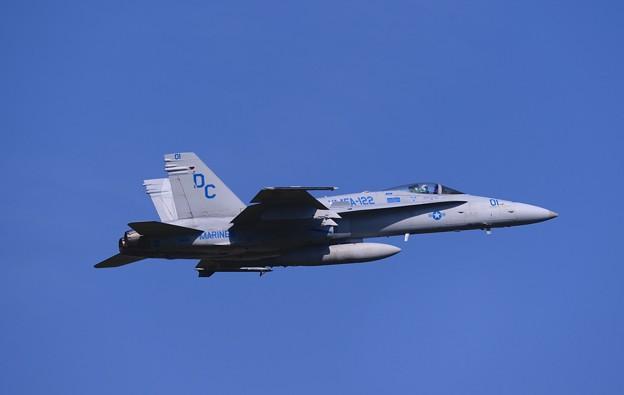 撮って出し。。お目当てのこいつクルセイダーズの隊長機。。DC01ホーネットテイクオフ。。6月11日