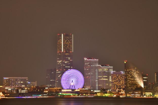撮って出し。。大黒埠頭から見るみなとみらい夜景。。7月17日