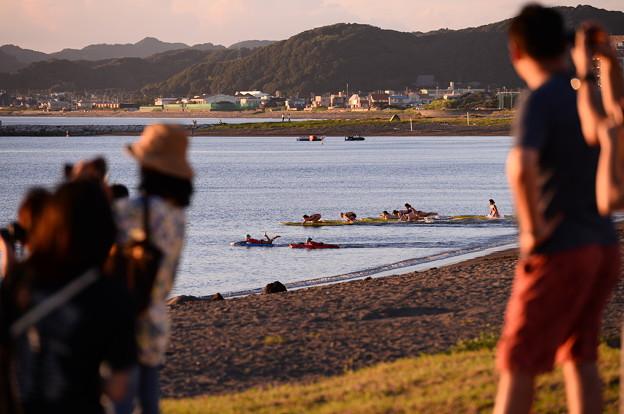 夕暮れの館山北条海水浴。。みんなで競争。。20160730