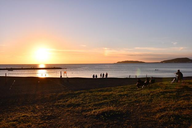 沈みゆく夕陽。。館山北条海水浴。。20160730