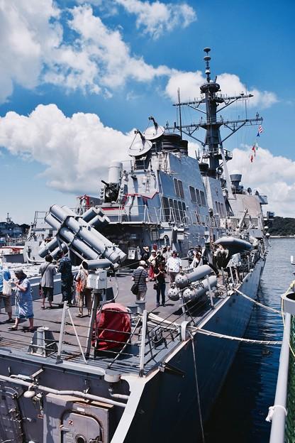 掃海艇えのしまから見る駆逐艦カーティスウィルバー船体 20160806
