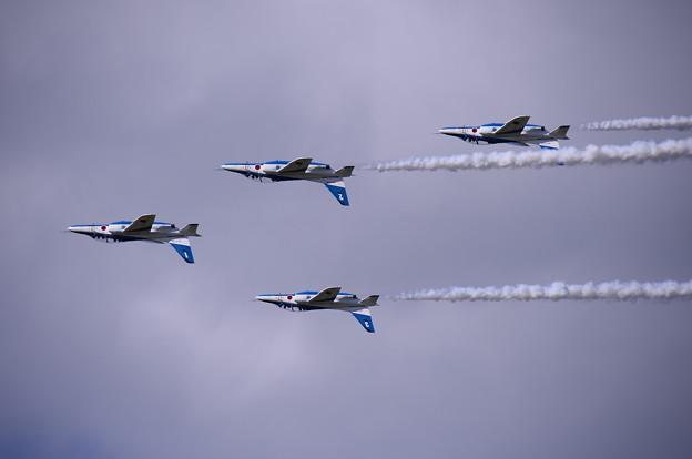 一気に雲が厚く。。それでもフォーシップインバート 三沢基地航空祭予行練習