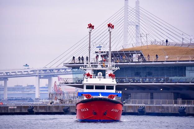 横浜消防出初式。。一斉放水の準備 消防艇。。20170108