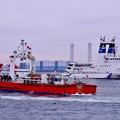 一斉放水終えて。。横浜消防消防艇まもりと海上保安庁消防船ひりゆう 20170108