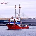 一斉放水終えて。。帰還する横浜消防消防艇よこはま。。20170108