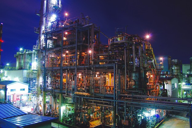 間近で見る夜のパイプライン。。京浜工業地帯20170304