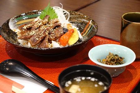 氷見牛ステーキ丼(北陸道【上り】・有磯海SA)