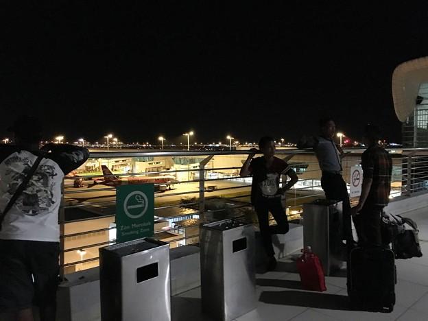 マレーシア クアラルンプール空港で一服 (13)