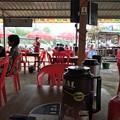 写真: イーストダゴンのカフェと小姐 (1)