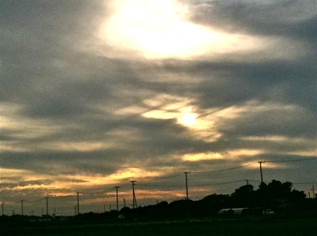 お空に不思議な格子模様の雲が!!