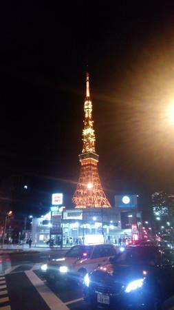 移動途中の信号待ちで撮った東京タワー(2016/12/15)