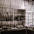 写真: 薬品棚