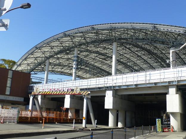 白球をイメージしたドーム型の屋根@阪神甲子園駅