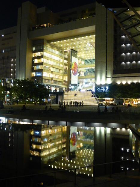 ライトアップされた大阪駅
