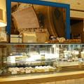 Photos: ケーキやバターが並ぶ店内@エシレ