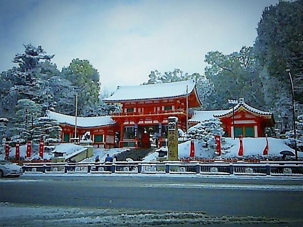 寒波到来 八坂神社