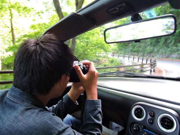 前走車が超低速なので私たちも景色を楽しむ