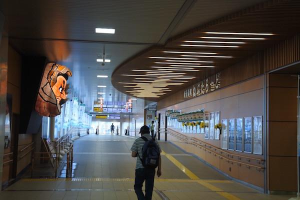VR-Bを駐車場に残して私は新青森から新幹線で大阪まで帰宅
