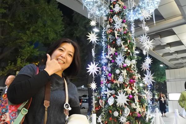 クリスマスの装飾が眩しい心斎橋の街