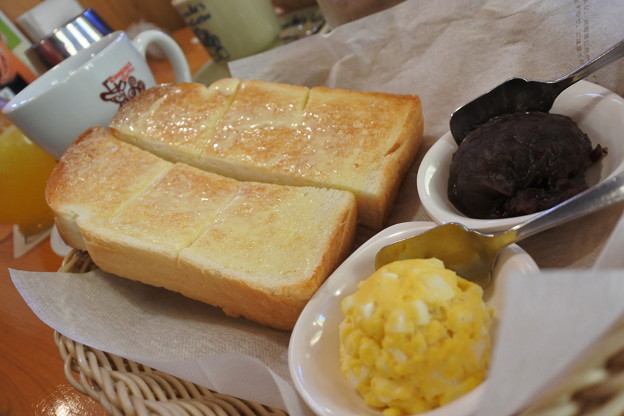 名古屋名物の小倉トーストを初体験