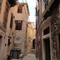 Photos: 生活感のある路地