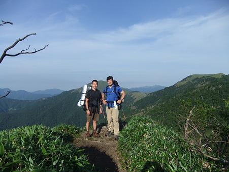 山頂でのミノさんとコクブ氏