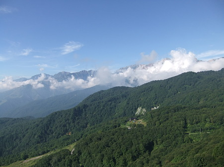 ゴンドラの中から見る白馬三山