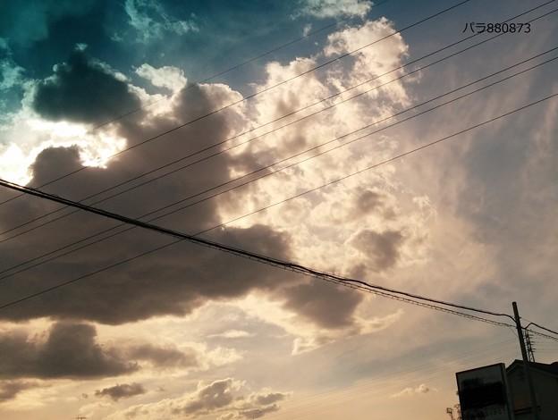 怪しく輝く巻雲