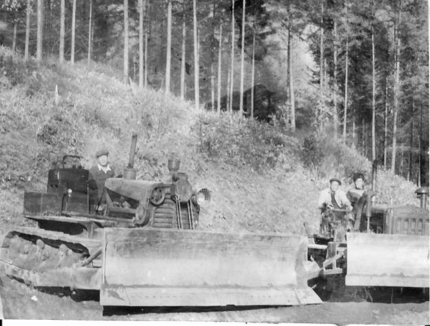 写真: 道路工事 昭和20年代後半 遠軽町