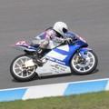 写真: 2014 #43 足立眞衣 NSF250R Hondaブルーヘルメット 全日本ロードレース J-GP3 jrr 52