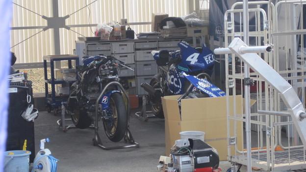 2013 #4 秋吉 耕佑 F.C.C.TSR Honda CBR1000RR 5
