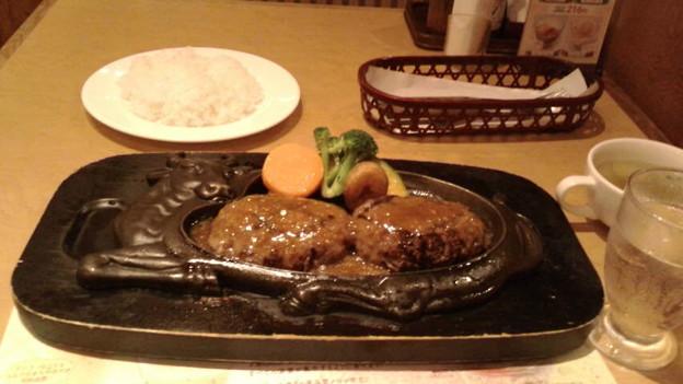 げんこつハンバーグ@静岡県吉田町、炭焼きレストランさわやか吉田店