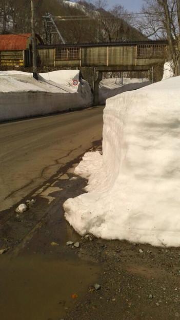 土合駅前の雪