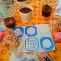 Photos: 今日の庭お茶会、 バラ紅茶 お赤飯おむすび、すあま、フィナンシェ...